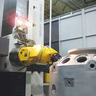 Machining of the gas turbine segment using a head HUI50